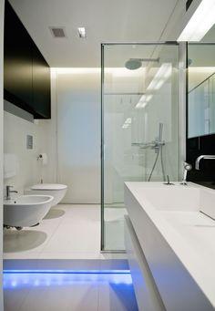 para el baño invitados, iluminación del paso Iron House! by Filippo Bombace Architect (16)