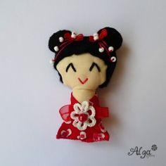 Kokeshi panenka Valentýnská I