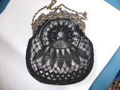 .: BOLSO CON ENCAJE DE BOLILLOS Lace Bag, Lacemaking, Craft Bags, Cut Work, Bobbin Lace, Collar Necklace, Crochet Lace, Coin Purse, Creations