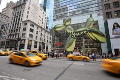 H&M, Jeff Koons and The Whitney Celebrate The Largest H&M Store in The World |