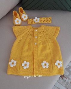 Top Rated 75 Baby Cardigan Vest Beanie D Beanie - Diy Crafts - Hadido - Diy Crafts Knitted Baby Outfits, Crochet Baby Cardigan, Knitted Baby Clothes, Crochet Clothes, Knit Vest, Diy Crafts Dress, Diy Dress, Baby Hat Patterns, Baby Knitting Patterns
