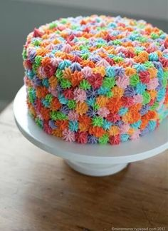 This. Is. So. COOL. #rainbow #cake
