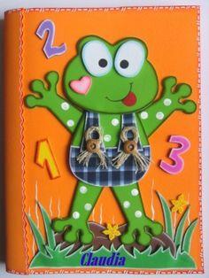 Cuaderno con sapito en el foro los moldes http://manualidadesamigas.foroargentina.net/