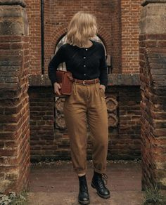 Ootd Fashion, Fashion Outfits, Looks Dark, Vintage Outfits, Vintage Fashion, Mode Inspiration, Aesthetic Clothes, Cute Casual Outfits, Everyday Fashion