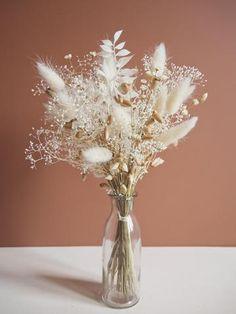 Découvrez la nouvelle tendance avec cette collection de bouquets de fleurs séchées! Esprit bohème. Livraison gratuite en France Bouquet Pastel, Dried Flower Bouquet, Dried Flowers, Dried Flower Arrangements, Vase Arrangements, Flower Vases, Flower Decorations, Wedding Decorations, Floral Wedding