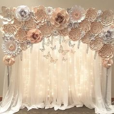 OMG! What do you think of this beautiful background simply made out paper craft #roses #backdrop #candybar #dessertbar #flowers #paper…