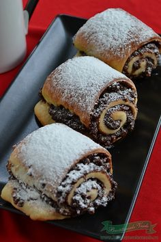 Rulouri cu crema de nuci si alune Romanian Desserts, Romanian Food, Greek Easter Bread, Sweet Recipes, Cake Recipes, Good Food, Yummy Food, Nutella Recipes, Pastry And Bakery