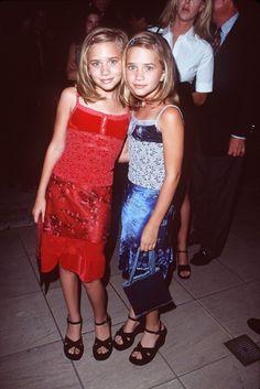 Pin for Later: Heute und damals: So hat sich der Stil der Stars entwickelt Mary-Kate und Ashley Olsen – damals Zu Full House Zeiten waren Patchworks und Plateau-Sandalen total angesagt.