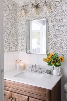 Modern Farmhouse Style Bathroom Makeover Reveal ♡ This is a sponsored conversation written by me on behalf of Delta®. The opinions and text are all mine. Our modern farmhouse style bathroom makeover i. Modern Farmhouse Bathroom, Modern Farmhouse Style, Farmhouse Decor, Farmhouse Ideas, Farmhouse Design, Rustic Decor, Tuscan Decor, Rustic Modern, Bad Inspiration