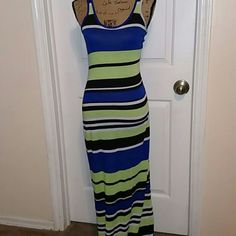 """Maxi dress Perfect fit the spring. Cotton striped dress, with silver zipper. Measures 45"""" from armpit Dresses Maxi"""