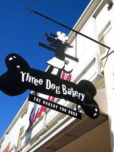 It all started here - Three Dog Bakery Signage Pet Shop, Dog Grooming Shop, Dog Grooming Salons, Dog Grooming Business, Three Dog Bakery, Dog Spa, Shop Signage, Amor Animal, Dog Cookies
