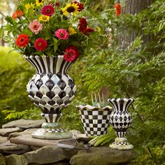 Mackenzie-Childs Courtly Check inspired Thistle Urn and Vase Mackenzie Childs Inspired, Mckenzie And Childs, Fleurs Diy, Damier, Garden Art, Flower Pots, Flower Basket, Painted Furniture, Flower Arrangements