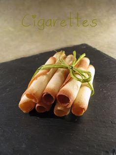 J'en reprendrai bien un bout...: Crèmes Renversées à la Pistache et Cigarettes Croustillantes