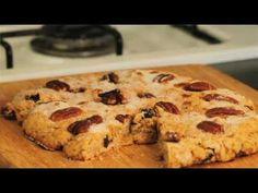 Pan semita - Semitic Bread - YouTube Mexican Sweet Breads, Mexican Bread, Mexican Food Recipes, Sweet Recipes, Mexican Bakery, Mexican Cookies, Greek Desserts, Cinnamon Cookies, Pan Dulce