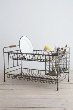 Vintage wire dish drainer rack | Plastic-free, zero waste dish drainer for a simple kitchen