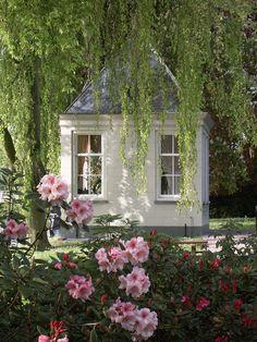 Depósito Santa Mariah: Garden Shed! Little Cottages, Little Houses, Pergola, Gazebos, She Sheds, Garden Structures, Parcs, Shed Plans, Dream Garden