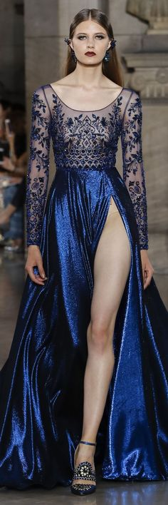 Georges Hobeika Fall Winter 2017 Haute Couture Collection That slit is quit daring. Gotta say though looks like there is a zipper at the top, which I think is a cool idea Trend Fashion, Fashion Week, Runway Fashion, Fashion Show, Fashion Design, Women's Fashion, Paris Fashion, Latest Fashion, Fashion Ideas