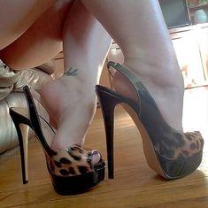 @karaspiggies2 #feetporn #feetfetish #shoesporn #highheels #feetjob #sexyfeet #feetporn #sexywoma #shoes #solesfetish #highheelshoes…