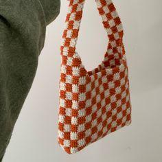 Cute Crochet, Crochet Crafts, Crochet Top, Crochet Basics, Crochet Stitches, Knitting Projects, Crochet Projects, Crochet Designs, Crochet Patterns