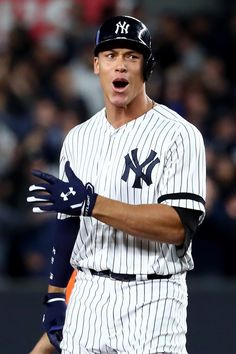 Aaron Judge - League Championship Series - Houston Astros v New York Yankees - Game Four 171017 New York Yankees Game, My Yankees, Baseball Boys, Baseball Players, Baseball Teams, Baseball Stuff, Gary Sanchez, Mlb Postseason, Lou Gehrig