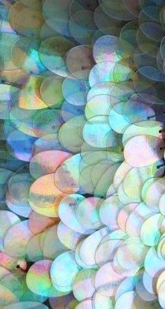 Iridescent Holographic sequins- beautiful detail for dresses, tops, and accessories. Textures Patterns, Print Patterns, Foto Fashion, Color Inspiration, Iridescent, Creations, Sweet 16, Illustration, Painting Art