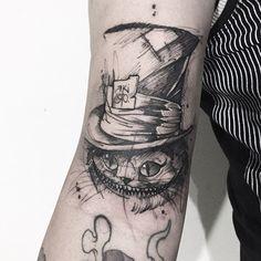 One Piece Tattoos, Body Art Tattoos, Sleeve Tattoos, Light Tattoo, Dark Tattoo, Tattoo Sketches, Tattoo Drawings, Mad Hatter Tattoo, Cheshire Cat Tattoo