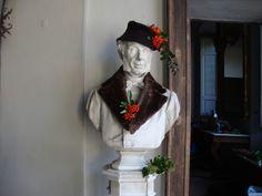Statue vestite a festa -  http://lefotodiluisella.blogspot.it/