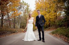Love this fall wedding setting.