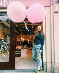 💗 Bringing the good vibes to Amsterdam! 💗 @catwalk_junkie #catwalkjunkie 💗 Open daily: | Mon-Fri. 11-6 | Thurs. 11-9 | Sat. 10-6 | Sun. 12-5