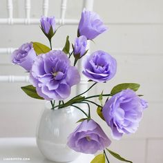 We're loving the gorgeous purple hue of this crepe paper Lisianthus. We've outlined all the tools, materials and steps you need to make your own here...
