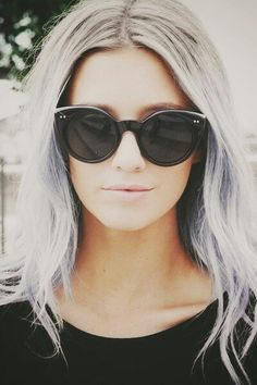 I love the white hair. It looks a lot like Gemma Styles'.