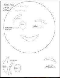 Resultado de imagem para molde de almofada emoticon