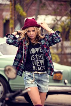 FW14 #Todomoda #BrooklynWinter ▶ Love is the New Black T-Shirt Model: Paige Reifler, New York Models.