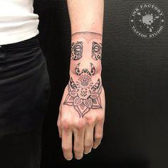 Tattoo Bracelet, Cool Cars, Tattoos, Bracelets, Tatuajes, Japanese Tattoos, Tattoo, Bracelet, Tattoo Illustration