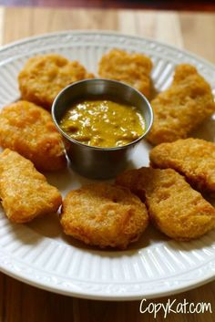 No need to go to McDonald's to get hot mustard dipping sauce. Make it at home with this easy copycat recipe and video. It's a great homemade Chinese sauce for chicken nuggets and tenders. Delicious ham sandwich spread too. Copykat Recipes, Sauce Recipes, Chicken Recipes, Cooking Recipes, Dip Recipes, Recipies, Easy Cooking, Baked Chicken, Mcdonald's Hot Mustard Recipe