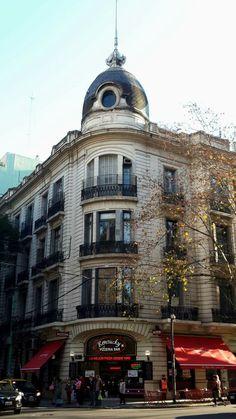 CF - Av. Santa Fe 2702 y Agüero, esq. SO, Buenos Aires