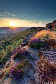 Curbar Edge - Sun going down at Curbar Edge in the Peak District