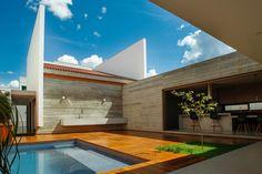 Cuiabá House  / Allouchie Arquitetos