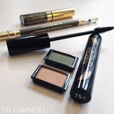 """Makeup is Art, Beauty is Spirit!""  #arabesque #quotes #quote #makeup #beauty #beautytips #beautyblog #eyeshadow #mascara #kajal #eyes #kosmetik #cosmetics #blog #blogger #blogger_de #fashion #fashionblogger #news #tip #style #recommended #augsburg"