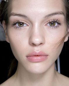 Bare skin is one #makeup #trend we are excited to see in 2017. #nocontour #justsayno #byefelicia