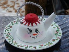 Vintage Copper 2 inch play tea kettle repurposed into a snowman. Christmas Tea, Christmas Makes, Christmas Snowman, Xmas, Christmas Decorations To Make, Christmas Wreaths, Christmas Crafts, Ideas Prácticas, Craft Ideas