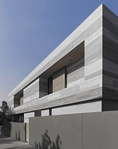 Cassell Street House by b.e. Architecture