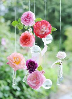 5 Minute Flowers: Hanging Test Tubes Ridiculously perfect for a party
