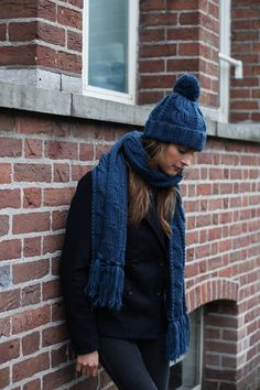 cable knitted chunky beanie and scarf. Fall winter collection 2017. Bickley + Mitchell photoshoot Amsterdam. knitwear. Accesoiries.