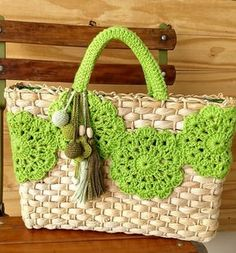 Marvelous Crochet A Shell Stitch Purse Bag Ideas. Wonderful Crochet A Shell Stitch Purse Bag Ideas. Crochet Handbags, Crochet Purses, Crochet Bags, Crochet Crafts, Crochet Projects, Love Crochet, Crochet Pattern, Beach Basket, Crochet Shell Stitch