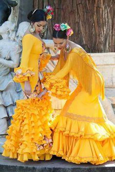 ~*020*~ Flamenca Flamenco Costume, Flamenco Dancers, Flamenco Dresses, Spanish Fashion, Spanish Style, Cowgirl Style Outfits, Look 2015, Fiesta Dress, Spanish Dancer