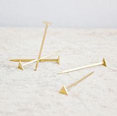 Simpel en mooi: Equilateral Nails  / www.woonblog.be