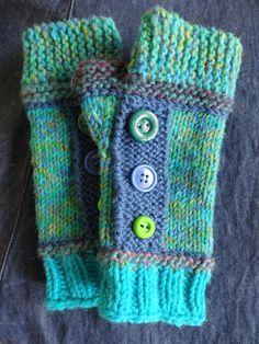 Des mitaines avec doigts et capuchon faciles à tricoter