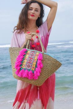Straw beach bags/Beach tote bags/Tassels straw bags/Weekend tote bags/bohemian s.- Straw beach bags/Beach tote bags/Tassels straw bags/Weekend tote bags/bohemian s… Straw beach bags/Beach tote bags/Tassels straw… - Straw Beach Tote, Straw Tote, Beach Tote Bags, Diy Sac, Diy Tote Bag, String Bag, Weekender Tote, Fabric Bags, Summer Bags