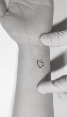 75 weitere kleine Tattoo-Ideen von Playground Tattoo - Vorlagen - 75 more small tattoo ideas from Playground Tattoo - templates - ideas Mini Tattoos, Bunny Tattoos, Rabbit Tattoos, Little Tattoos, Trendy Tattoos, Sexy Tattoos, Tattoos For Women, Tattoos For Guys, Cool Tattoos